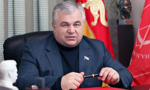 Казбек Тайсаев предложил министру образования и науки Д.В. Ливанову учесть интересы студентов из многодетных семей